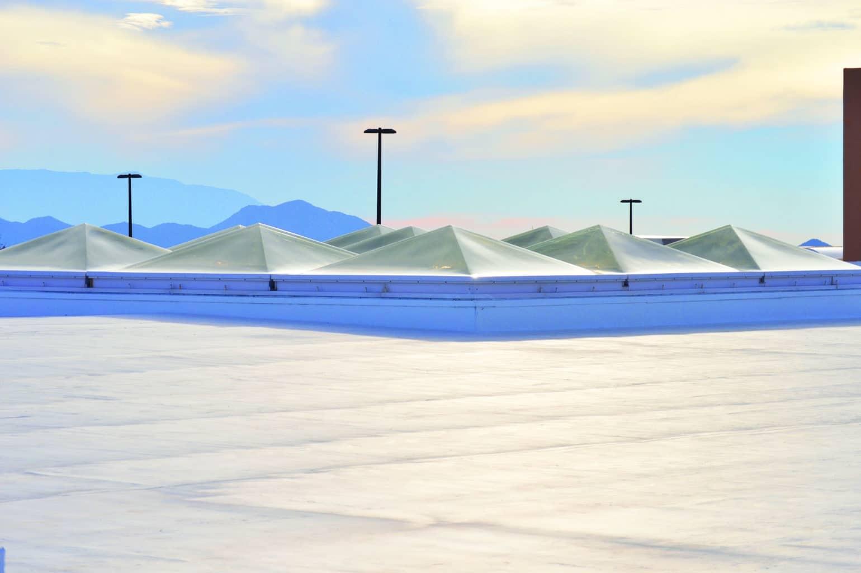 弹性冷屋顶涂料中的空心热塑性微球