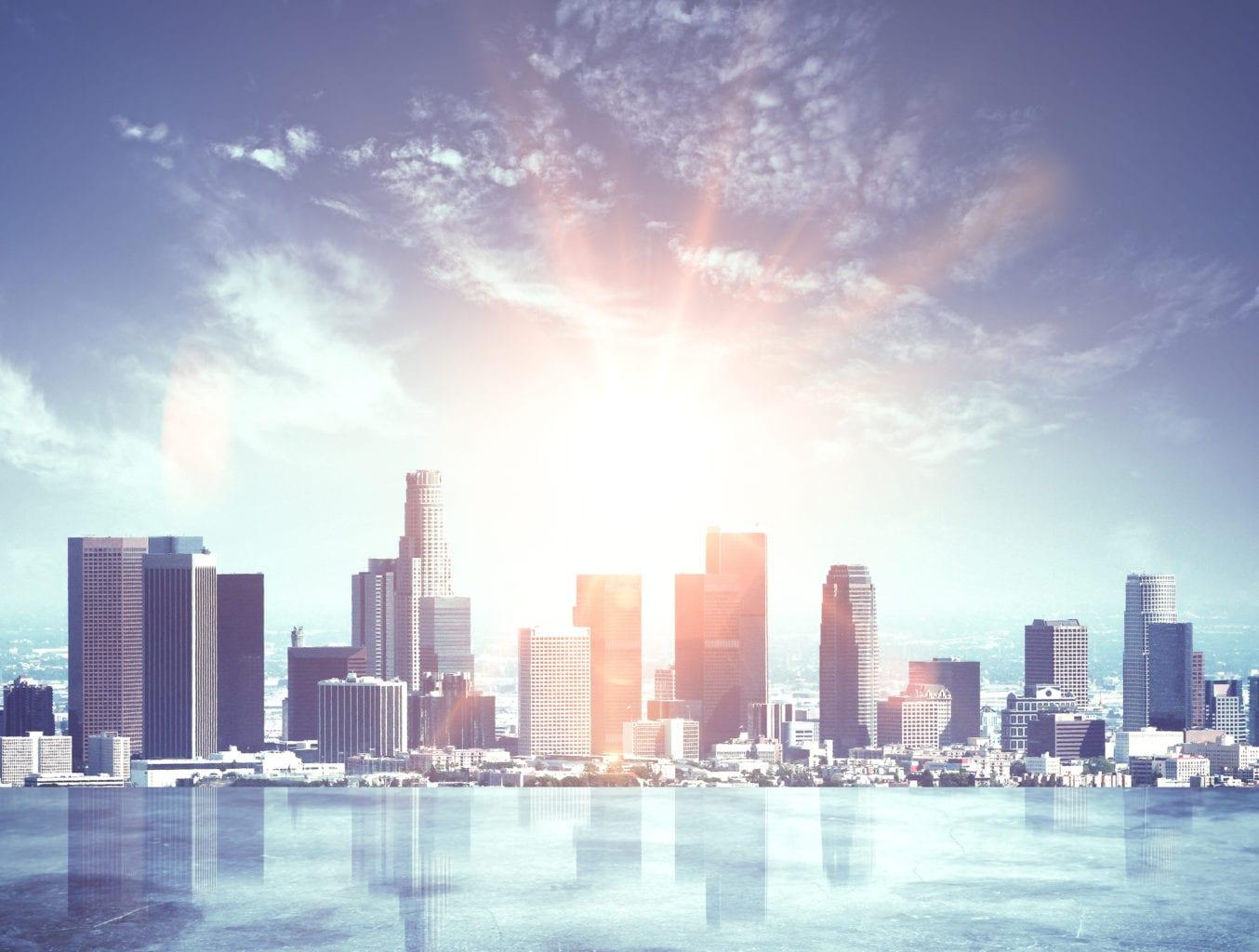 城市城市天际线与日落